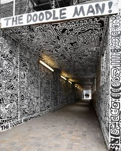 Doodles everywhere ! By @mrdoodle /  by @D7606 / In Shoreditch London with a little bit of help from us #globalstreetart  #mrdoodle #thedoodleman #shoreditch #londonstreetart #d7606 #streetart