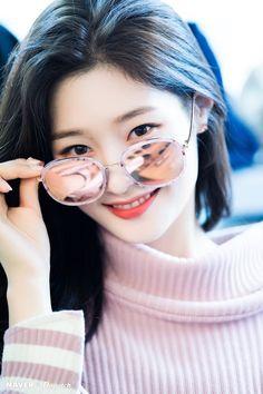South Korean Girls, Korean Girl Groups, Jung Chaeyeon, Choi Yoojung, Kim Sejeong, Cute Girl Pic, Ioi, Chinese Actress, Korean Actresses