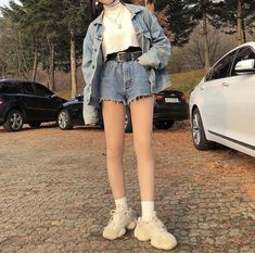 Korean Fashion Trends you can Steal – Designer Fashion Tips 70s Fashion, Look Fashion, Girl Fashion, Fashion Outfits, Fashion Tips, Fashion Skirts, Modest Fashion, Fasion, Korean Fashion Trends