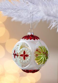 I like the vintage look of this ornament