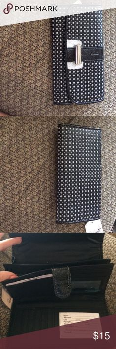 Fashion bug wallet Fashion bug wallet with tags! Never used. Black and sparkle Fashion Bug Bags Wallets