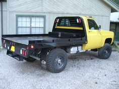 Jacked Up Chevy, Truck Flatbeds, Chevy Pickup Trucks, Classic Chevy Trucks, Pickup Flatbeds, Truck Mods, Flatbed Truck Beds, Dually Trucks, Farm Trucks