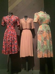 1940s dresses day floral dress pink peach green red short sleeves Middle one is perfect colour for Ruth