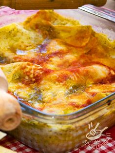 Le Lasagne con mozzarella e pesto Lasagne Pesto, Salty Foods, Mozzarella, Saveur, Gnocchi, Lasagna, Italian Recipes, Risotto, Macaroni And Cheese