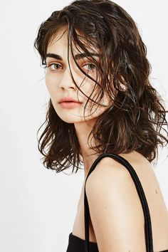Open Hairstyles – Center Part, Wet Hair Look, Slicked Back, Curly Hair, Etc