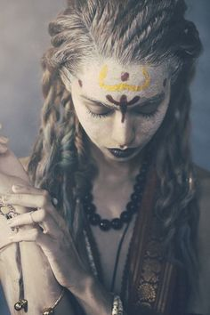 This would be more priestess than warrior but still cool Tribal Fusion, Danza Tribal, Look Girl, Beltane, War Paint, Warrior Princess, Post Apocalyptic, Larp, Female Characters