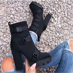 Top 10 Shoes, Cute Shoes Heels, Sneaker Heels, Sneakers, Zapatillas Nike Air, Fashion 101, Dream Shoes, Cute Casual Outfits, Shoe Game