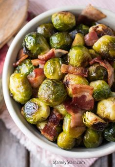 Oven Roasted Brussels Sprouts with Bacon – A simple and super flavorful recipe! … Oven Roasted Brussels Sprouts with Bacon – A simple and super flavorful recipe! Perfect side dish for a special holiday meal. Side Dish Recipes, Veggie Recipes, Cooking Recipes, Healthy Recipes, Sprout Recipes, Bacon Recipes, Roasted Vegetable Recipes, Cooking Rice, Cooking Turkey