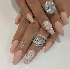Nail - Hey fashioners, bling nails are definitely beautiful to behold! - - Hey fashioners, bling nails are definitely beautiful to behold! But how do you attain them? Well, painting your nails with a glitter polish can give t. Prom Nails, Bling Nails, Wedding Nails, Stiletto Nails, Vegas Nails, Wedding Acrylic Nails, Coffin Nails Matte, Sparkly Nails, Acrylic Nails Coffin Kylie Jenner
