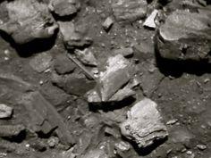 Negro como el carbón.