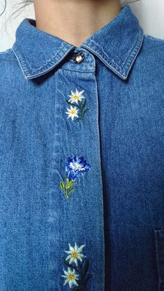 Hey, I found this really awesome Etsy listing at https://www.etsy.com/uk/listing/556937933/vintage-90s-floral-embroidered-denim