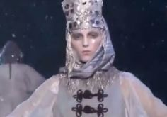 John Galliano for Christian Dior † Paris Fashion Week, A/W 2009 † #hautegoth #couture #fashion #fashionshow #ethereal #dreamy #ghostlike #haunting #gorgeous #hautecouture #JohnGalliano #ChristianDior #2009