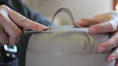 Video by Nina Paim about Brazilian ceramic artists Gilberto Paim Porcelain Jewelry, Porcelain Ceramics, China Dinnerware Sets, Pottery Videos, Ceramic Techniques, Thrown Pottery, China Mugs, Ceramic Artists, Handmade