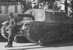 Italian Fascist Semovente da self-propelled gun of WWII. built by mounting the Obice da modello 34 long range mountain gun on the chassis of a or tank. Truck Transport, Italian Army, Ww2 Photos, Ww2 Tanks, Military Diorama, Panzer, Armored Vehicles, War Machine, North Africa