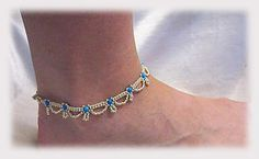 This fun anklet is made in 2 passes, and can be made to look dressy or casual depending on the beads