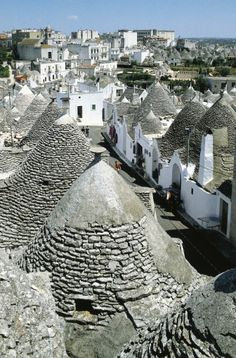 Trulli (limestone dwellings) in Alberobello (UNESCO World Heritage List, 1996), Puglia, Italy
