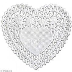 Blonda de encaje de papel- Corazón 10 cm 12 unidades - Fotografía n°1