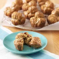 Maple scones have the scent of maple and brown sugar and an irresistible pull-apart shape to provide a new twist on the traditional scone.