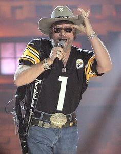 My man, Hank Jr., in steelers gear! Steelers Pics, Steelers Gear, Here We Go Steelers, Steelers Football, Steelers Stuff, Pittsburgh Steelers Wallpaper, Pittsburgh Steelers Logo, Pittsburgh Sports, Nashville Star