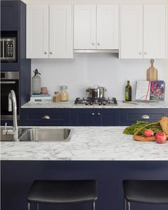 Tonal crush! We love the use of our blue pea and macaroon doors in the alpine profile to create this two-tone colour palette. What do you think? . . . #kaboodle #kaboodlekitchen #kitchendesign #designideas #interiorsinspo #twotonekitchen Two Tone Kitchen, Color Pop, Colour, French Provincial, Home Reno, Macaroons, The Hamptons, Kitchen Design, Kitchen Cabinets