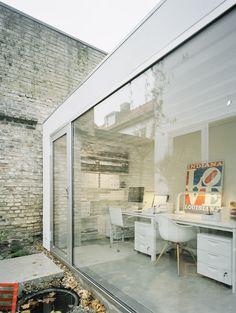 cualquier rincon puede ser un buen espacio de trabajo con la limpieza y diseño adecuado
