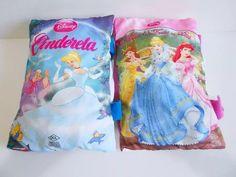 Lote 2 Livros Almofada De Pelúcia Princesas Disney - R$ 39,90 em Mercado Livre