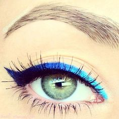 The light blue brightens up the eye and the dark adds depth, perfect twist to the ordinary cat eye!:
