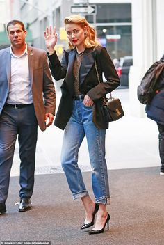 Amber Heard flashes the flesh in completely sheer bodysuit with denim and blazer Denim Blazer, Denim Outfit, Star Fashion, Girl Fashion, Fashion Outfits, Red Lipstick Outfit, Amber Heard Style, Star Clothing, Rolled Up Jeans
