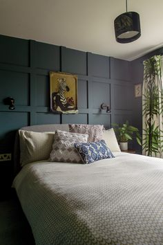 Victorian terrace house: Carol's home is full of colour, art and antique finds Victorian Terrace Interior, Victorian House Interiors, Victorian Bedroom, Victorian Homes, Bedroom Green, Large Bedroom, Home Bedroom, Dark Living Rooms, Romantic Bedroom Decor