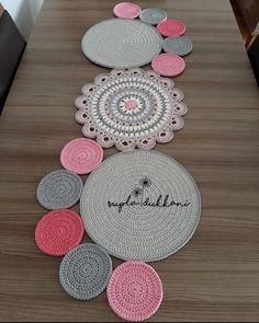 Crochet Baby Dress Pattern, Crochet Mandala Pattern, Crochet Square Patterns, Crochet Fabric, Crochet Home, Crochet Crafts, Crochet Doilies, Crochet Flowers, Crochet Projects