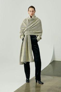 2019-20秋冬プレタポルテコレクション - シド・ネイガム(SID NEIGUM) ランウェイ|コレクション(ファッションショー)|VOGUE JAPAN