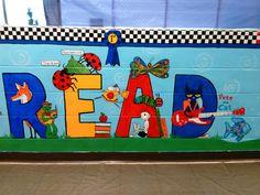 School Board Decoration, School Decorations, Library Wall, Kids Library, Reading Corner Classroom, Preschool Library, Mural Wall Art, Wall Paintings, Garden Mural