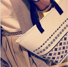 #iutta #iuttabags #dorderomanesc #tradition #folklore #folk #art #fashion #bags #romanian #motifs #longing #details #pastel