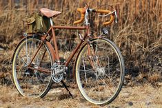 There are thousands and thousands of bicycles in Indonesia, produced by a handful of manufacturers whose focus is more on international export than aesthetics or ride quality. Before being slapped with an anti-dumping sanction, Federal Cycles Mustika churned out millions of mediocre bikes but this light tourer is an example of reliable and functional beauty.…