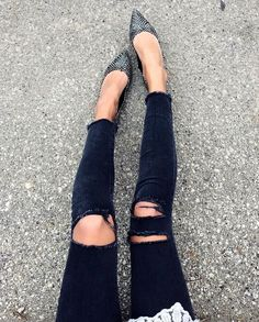 printed pointed toe flats & black ripped jeans #style #fashion #shoes