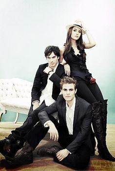 Novo Post no #Blog Série para assistir #The #Vampire #Diares falei um pouco dessa série venha conferir e conhecer um pouco mais sobre os vampiros!!! http://amandalucianablog.wordpress.com/2013/04/20/series-para-assistirthe-vampire-diares/