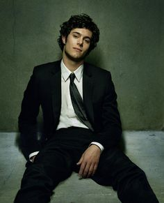 adam brody...i'll always love him as seth cohen, sarcasm is like breathing for me, marry me? <3