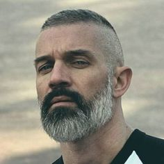 - Beard Tips Short Hair With Beard, Mens Hairstyles With Beard, Haircuts For Men, Men's Hairstyles, Long Beard Styles, Beard Styles For Men, Hair And Beard Styles, Beard Tips, Grey Beards