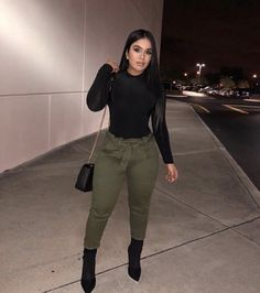See our straightforward, comfortable & effortlessly stylish Casual Fall Outfit smart ideas. Get encouraged with these weekend-readycasual looks by pinning your most favorite looks. casual fall outfits for teens Fashion Killa, Look Fashion, Girl Fashion, Winter Fashion, Curvy Fall Fashion, Fashion Black, Classy Outfits, Chic Outfits, Trendy Outfits