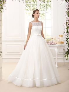 Mia Sposa Bridalwear proudly presents its collection of Novia D'art wedding gowns samples available in its Central London store Modest Wedding Dresses, Cheap Wedding Dress, Designer Wedding Dresses, Bridal Dresses, Wedding Bride, Wedding Gowns, Pronovias, Classic Wedding Dress, Ball Gown Dresses