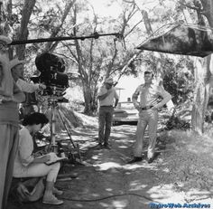 Behind the scenes of The Andy Griffith Show Great Tv Shows, Old Tv Shows, Don Knotts, The Andy Griffith Show, The Brady Bunch, Classic Tv, Classic Films, Vintage Tv, Scene Photo