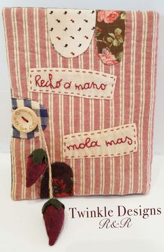 "Guarda agujas ""molón"" - Twinkle Designs R&R, Twinkle Patchwork http://shop.twinklepatchwork.com/producto/guarda-aguja-molon/ ""Cool"" needlecase"