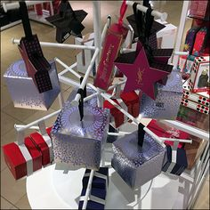 Macys Fragrance Faceout Tree Display – Fixtures Close Up - Top-Trends Diy Fragrance, Warehouse Club, Retail Fixtures, Alternative Christmas Tree, Counter Display, Trends, Custom Packaging, Visual Merchandising, House Of Cards