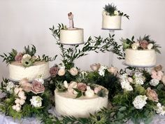 Make sure your cake speaks of style! Never enough florals!