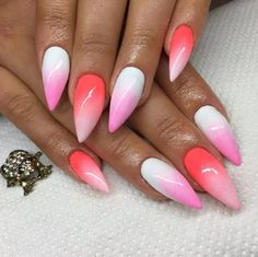 This coral, light pink, and white ombré nail look is giving me some serious tropical vibes.