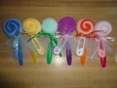 Items similar to Baby Washcloth Lollipops with Spoon. Washcloth Lollipops, Baby Washcloth, Baby Crafts, Crafts For Kids, Valentines Day Baskets, Fete Ideas, Shower Bebe, Baby Hamper, Gift Cake