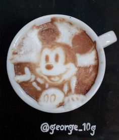 Beautiful and creative latte art by Japanese coffee artist Kazuki Yamamoto Coffee Latte Art, I Love Coffee, Coffee Cafe, Coffee Break, My Coffee, Cappuccino Art, Drink Coffee, Coffee Shops, Coffee Lovers