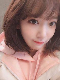 (Credits to the real owner/s) Yuri, Secret Song, Sakura Miyawaki, Japanese Girl Group, Famous Girls, Kim Min, The Wiz, Beautiful Asian Girls, Ulzzang Girl