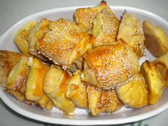 Greek Pastries, Bread And Pastries, Cheese Recipes, Cooking Recipes, Healthy Recipes, Healthy Foods, Finger Food Appetizers, Finger Foods, Filo Pastry