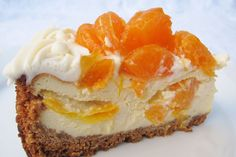 Mandarin Cheesecake - Free recipes via Recptenbundel.nl - This Mandarin Cheesecake is deliciously fresh and fruity and therefore one of my favorite cheesecak - Cheesecake Recipes, Cookie Recipes, Snack Recipes, Dessert Recipes, No Bake Desserts, Just Desserts, Delicious Desserts, Pie Cake, No Bake Cake